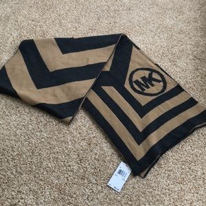 NEW Michael Kors logo scarf in camel and gray